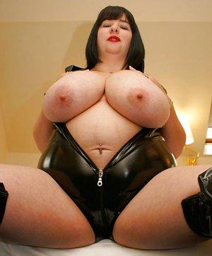 BBW Mom Tits Sex Pics