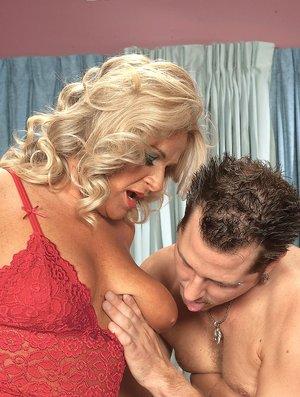 Sucking Tits BBW Sex Pics