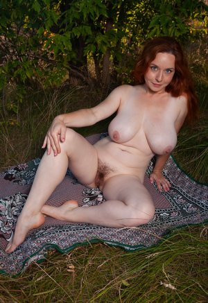 Busty BBW Amateur Sex Pics