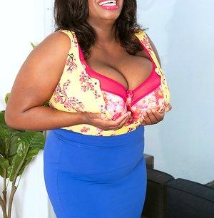 Big Black Tits Sex Pics