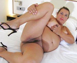 BBW in Bedroom Sex Pics