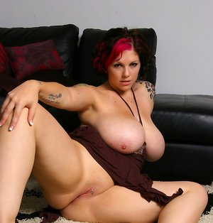 BBW Shaved Pussy Sex Pics